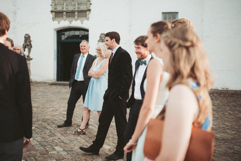 Aufewig-Hochzeitsreportage-Hochzeitsfotos-Schleswig-Holstein-Gluecksburg-Flensburg-R137