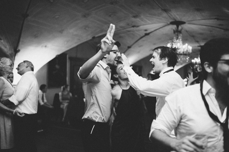 Aufewig-Hochzeitsreportage-Hochzeitsfotos-Schleswig-Holstein-Gluecksburg-Flensburg-R240